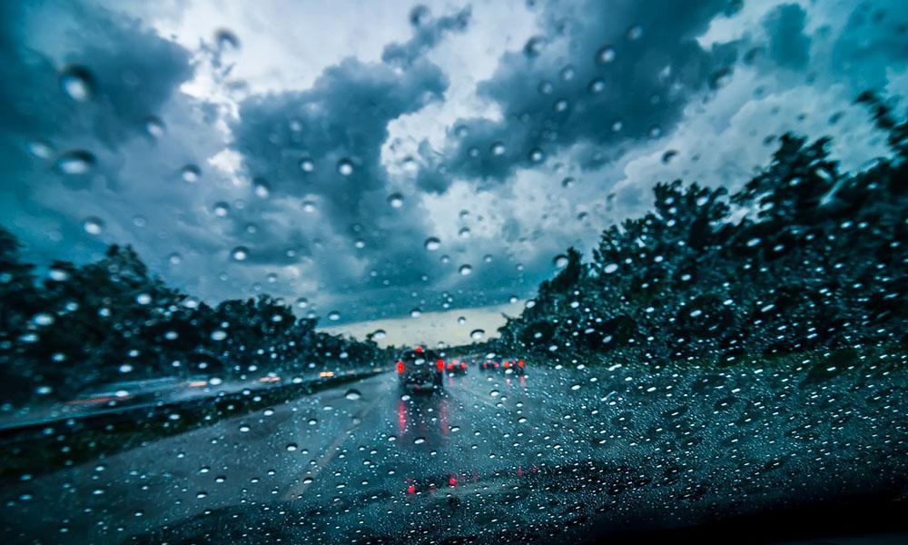 رانندگی در هوای بد